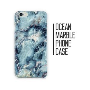 Blue marble iPhone 7+/8+ protective shell